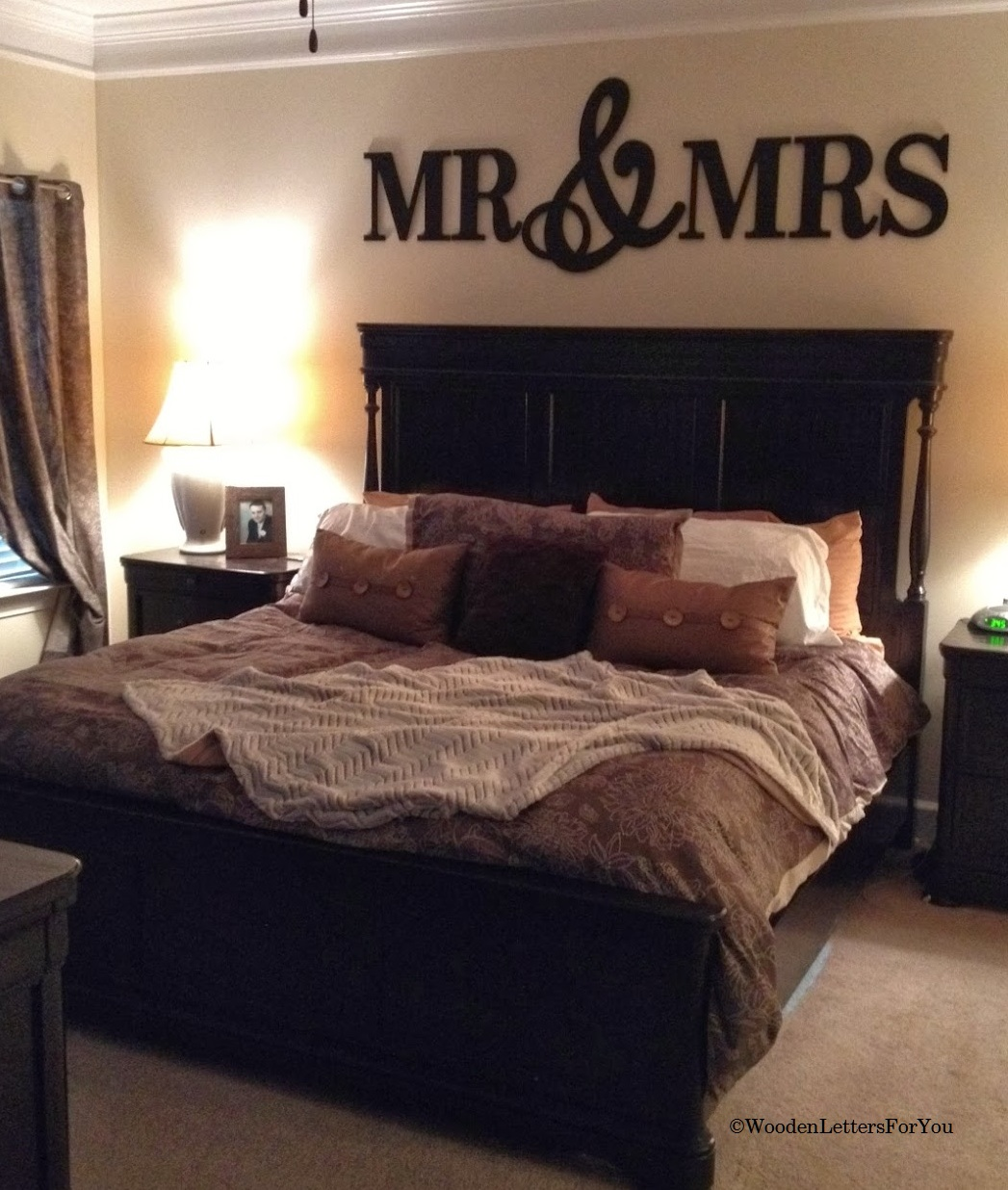 LARGE Wooden Mr & Mrs Wall Décor